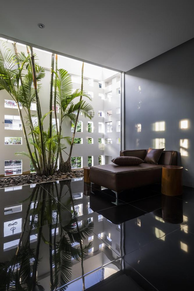Ngôi nhà có 300 cửa sổ, gia chủ mỗi tháng chỉ tốn 200.000 đồng tiền điện - 10