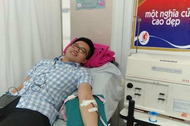 Bác sĩ kịp thời hiến máu cứu sản phụ bị sốt xuất huyết nguy kịch - 1