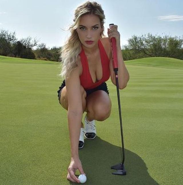 Nữ golf thủ bị dọa giết vì thân hình quá gợi cảm - 1