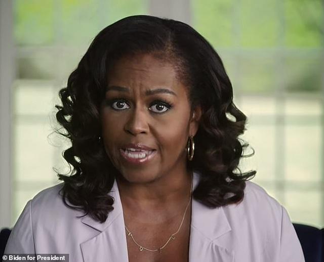 Bầu cử Mỹ: Bà Obama chỉ trích mạnh mẽ ông Trump trong video dài 24 phút - 1