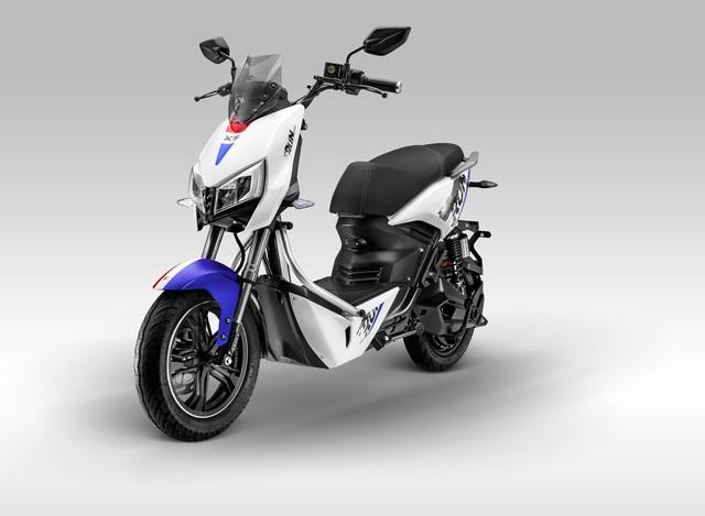 Xe máy điện Yadea X5 giá 22 triệu đồng, đấu Vinfast Impes, Pega Newtech... - 1
