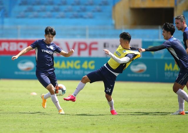 """Văn Toàn: """"HA Gia Lai sẽ thắng Viettel 1-0, không buông top 5 V-League"""" - 4"""