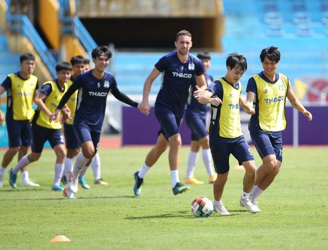 """Văn Toàn: """"HA Gia Lai sẽ thắng Viettel 1-0, không buông top 5 V-League"""" - 5"""