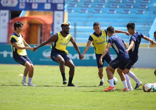 """Văn Toàn: """"HA Gia Lai sẽ thắng Viettel 1-0, không buông top 5 V-League"""" - 6"""