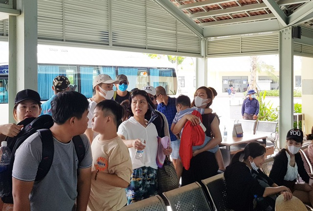 Khánh Hòa: Hàng trăm người được tuyển dụng qua các phiên giao dịch việc làm - 2