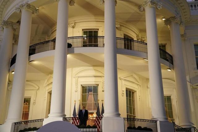 34 ca mắc Covid-19, Nhà Trắng thành cụm dịch giữa mùa bầu cử - 15