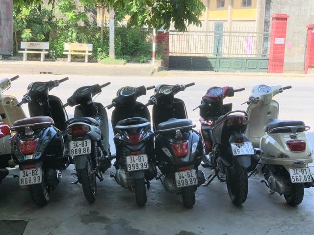 Ăn chơi nhất Việt Nam: Gom mua cả dàn xe máy mang biển ngũ quý từ 1 - 9 - 6