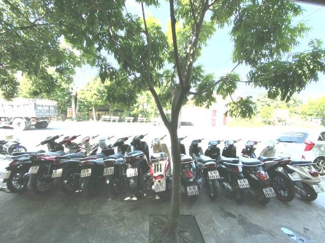 Ăn chơi nhất Việt Nam: Gom mua cả dàn xe máy mang biển ngũ quý từ 1 - 9 - 7