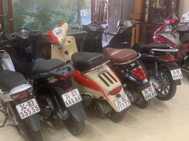Ăn chơi nhất Việt Nam: Gom mua cả dàn xe máy mang biển ngũ quý từ 1 - 9 - 5