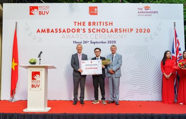 Học bổng Đại sứ Vương quốc Anh năm đầu tiên đã tìm được chủ nhân - 2