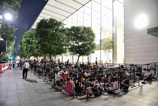 Người tiêu dùng thắt hầu bao chờ iPhone 12 ra mắt - 4