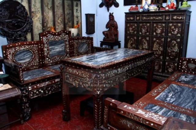 Gia thế giàu có của ca sĩ chuyển giới Lâm Khánh Chi, bố buôn đồ cổ tiền tỷ - 4