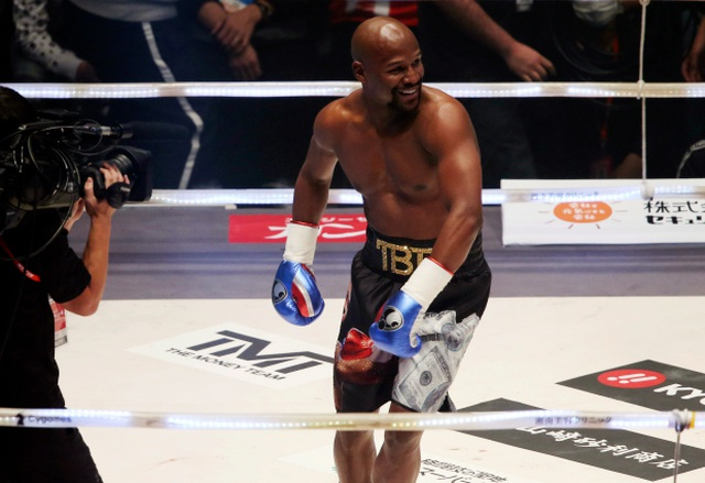 Ba lần đấm võ sĩ Nhật Bản ngã dúi dụi, Mayweather vẫn tự nhận thất bại - 2