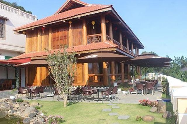 Cận cảnh nhà sàn rộng 300m2 toàn gỗ quý của vị doanh nhân ở Đà Lạt - 1