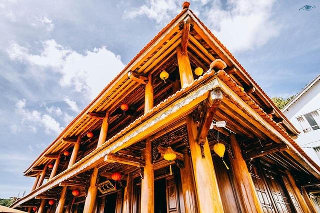 Cận cảnh nhà sàn rộng 300m2 toàn gỗ quý của vị doanh nhân ở Đà Lạt - 7