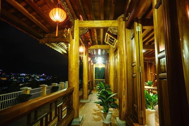 Cận cảnh nhà sàn rộng 300m2 toàn gỗ quý của vị doanh nhân ở Đà Lạt - 9