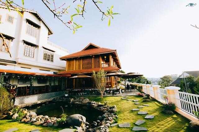 Cận cảnh nhà sàn rộng 300m2 toàn gỗ quý của vị doanh nhân ở Đà Lạt - 10