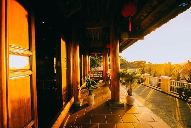 Cận cảnh nhà sàn rộng 300m2 toàn gỗ quý của vị doanh nhân ở Đà Lạt - 11