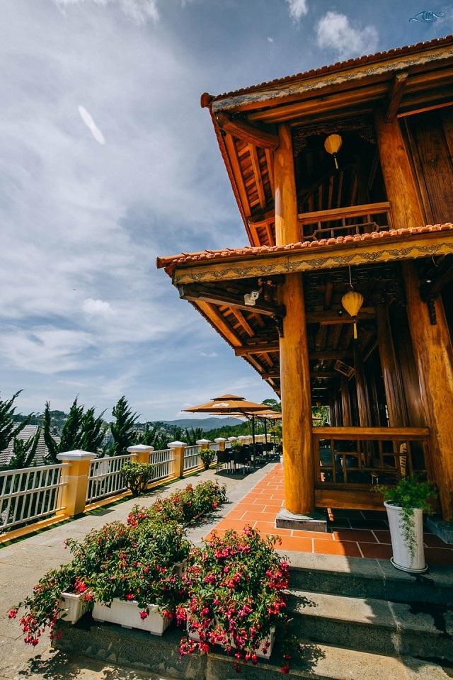 Cận cảnh nhà sàn rộng 300m2 toàn gỗ quý của vị doanh nhân ở Đà Lạt - 15
