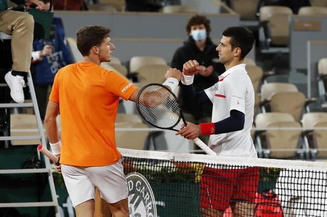 Novak Djokovic bị đối thủ tố giả chấn thương, cố tình sử dụng chiêu trò - 2