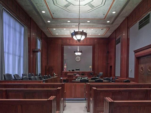 Luật sư 41 tuổi khởi kiện cha mẹ vì không hỗ trợ tài chính đầy đủ cho con - 1