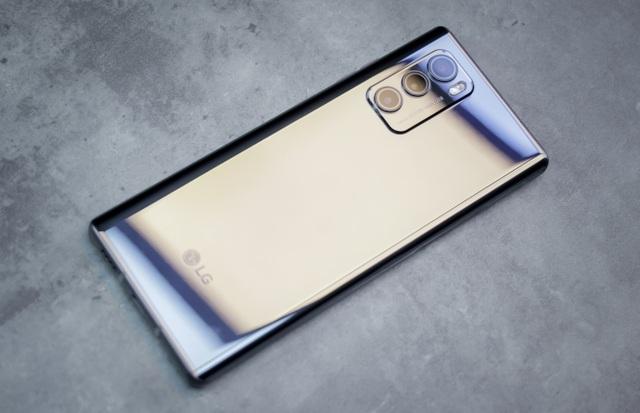 Trải nghiệm LG Wing: Smartphone xoay hình chữ T, giá hơn 17 triệu đồng - 3