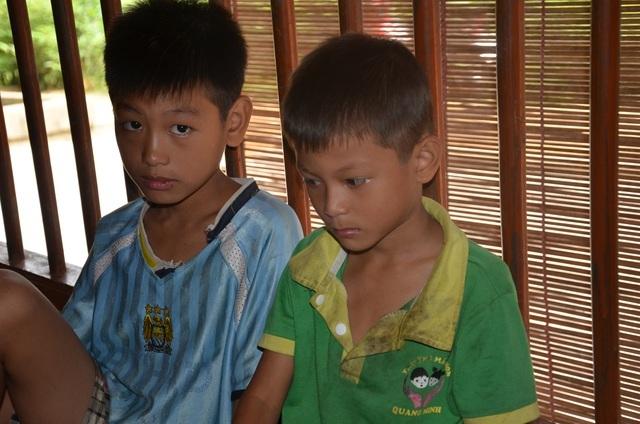 Người cha ngã xuống vực nằm liệt, 2 con thơ phải nghỉ học vì gia cảnh nghèo - 5