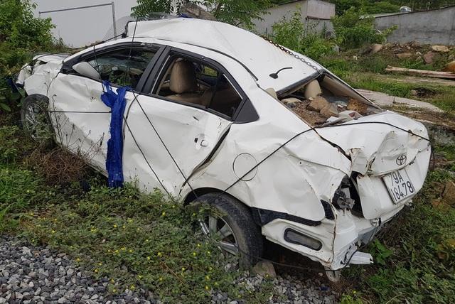 2 năm sau vụ lở núi ở Nha Trang, ô tô bị đè bẹp vẫn còn ở hiện trường - 2