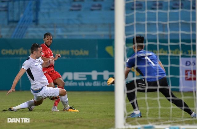 HA Gia Lai thua đậm CLB Viettel trên sân Hàng Đẫy - 1