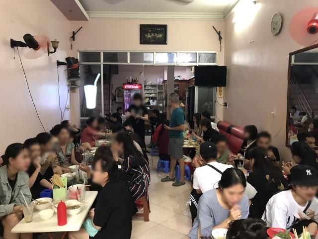 Kỳ lạ bún ngan chửi ở Hà Nội, khách chen chân xếp hàng thưởng thức - 3