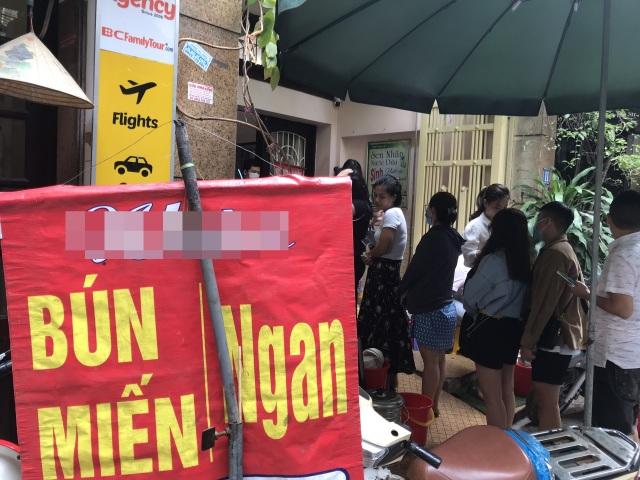 Kỳ lạ bún ngan chửi ở Hà Nội, khách chen chân xếp hàng thưởng thức - 4