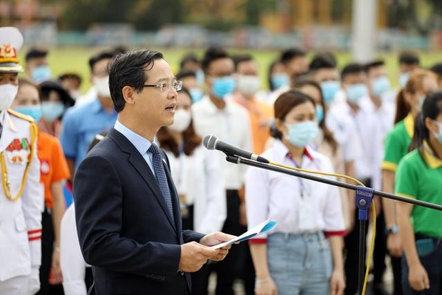 130 HS, SV tiêu biểu ngành giáo dục nghề nghiệp dự Lễ báo công dâng Bác - 3