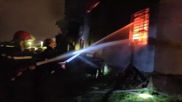 Cháy nổ lớn tại kho sơn - 2