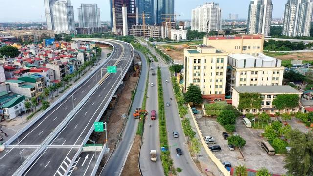 Cận cảnh đường trên cao 5.000 tỷ đồng đẹp nhất Hà Nội trước ngày thông xe - 7
