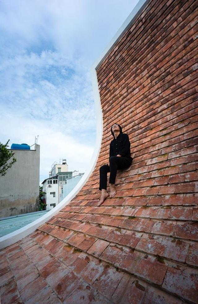 Nhà ở Sài Gòn có mái cong vút, nơi có thể tiếp khách cả ngày không chán - 5