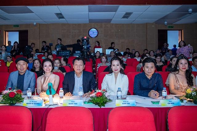 """Bùi Dương Thái Hà giành giải nhất """"Giọng hát hay Hà Nội - 11"""