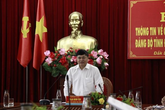 Hạn chế tối đa việc tặng lẵng hoa tại Đại hội Đảng bộ Đắk Lắk - 1