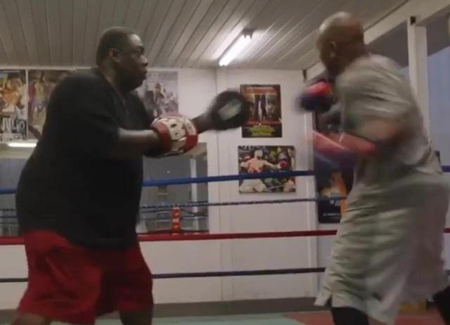 Huyền thoại Myke Tyson xác nhận chuẩn bị thượng đài với Roy Jones Jr - 3