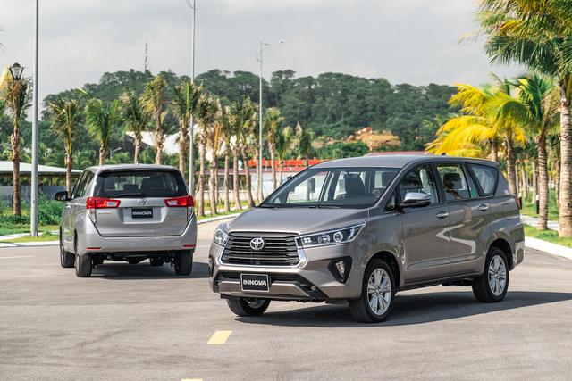 Toyota Innova 2020 giá từ 750 triệu: Nâng cấp nhẹ ngoại hình và trang bị - 1