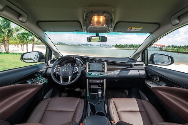 Toyota Innova 2020 giá từ 750 triệu: Nâng cấp nhẹ ngoại hình và trang bị - 2