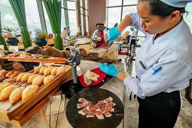 Hình ảnh: Trải nghiệm khó quên tại khách sạn cao nhất Đông Nam Á  của admin 'Nghiện nhà' Hà Linh số 5