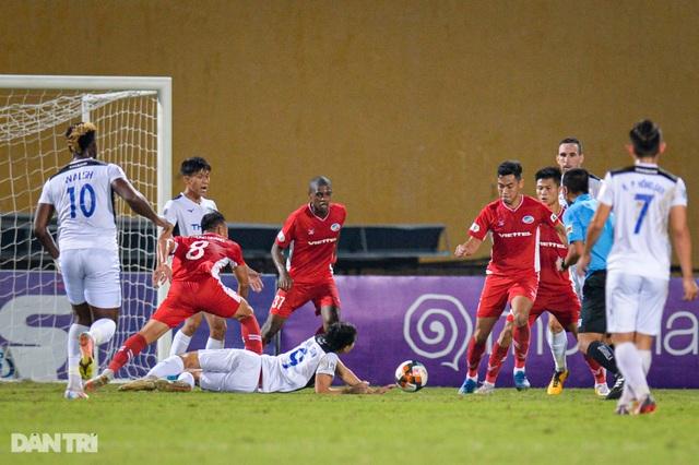 HA Gia Lai thua đậm CLB Viettel trên sân Hàng Đẫy - 4