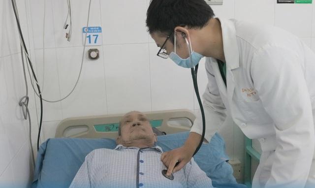 Đang ngủ tim đột ngột ngừng đập, ngực nóng rực, bác sĩ chỉ rõ nguyên nhân - 4