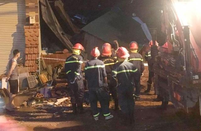 Mưa lớn gây sập một ngôi nhà, di dời khẩn 10 hộ dân trong đêm - 3