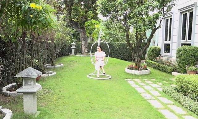Độc đáo biệt thự hoàng gia có hồ cá ở phòng ăn của Hồ Quỳnh Hương - 2