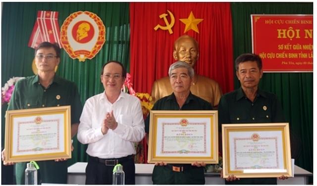 Trong 3 năm, Hội Cựu chiến binh Phú Yên xóa 469 nhà tạm cho đồng đội - 2