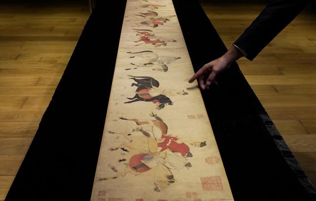 """Bức họa cổ """"hoàng tử Trung Hoa say rượu"""" chốt giá hơn 41 triệu USD - 1"""