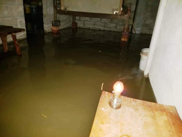 Thủy điện tiếp tục xả nước, Huế sẽ đón lũ lớn trong đêm - 14