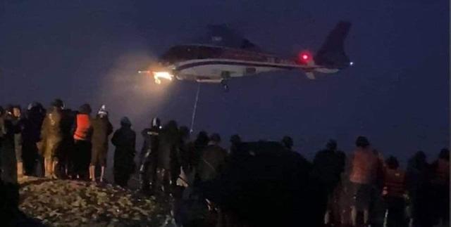 Trực thăng cùng đặc công nước cứu hộ thành công 8 người trên tàu Vietship - 3