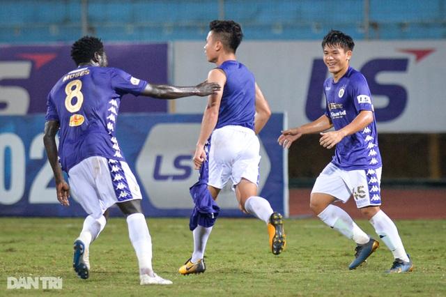 Quang Hải tỏa sáng, CLB Hà Nội đánh bại TPHCM tại Hàng Đẫy - 9